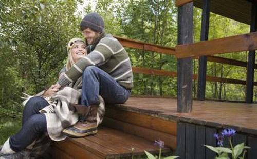 Как вывести пятна от смолы в домашних условиях