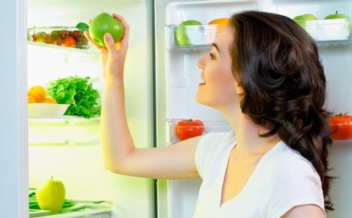 """Почему твой холодильник """"пахнет""""?"""