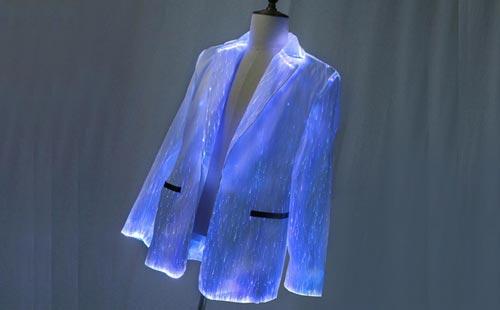 Светящийся в темноте пиджак